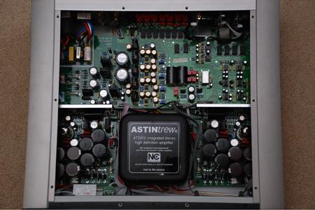 Astin Trew AT2000 Intern en aansluiten