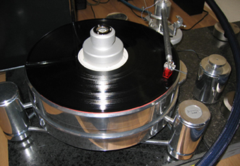 Acoustic Solid (c) Xingo