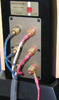 Het aansluiten van kabel en interconnect (c) Xingo